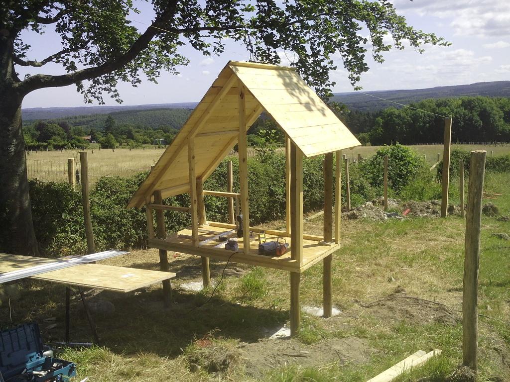 poulailler de luxe sur pilotis cabanade constructeur b tisseurs de cabanes. Black Bedroom Furniture Sets. Home Design Ideas